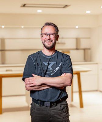Portrait von Mitarbeiter Bernd Rochelt
