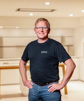 Portrait von Mitarbeiter Christian Schütter