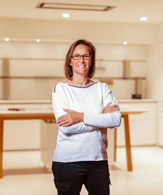 Portrait von Mitarbeiterin Kirsten Schwerte