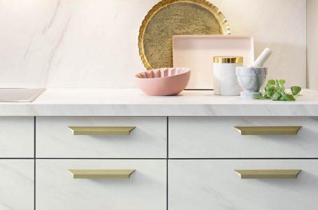 Küche in Marmoroptik von Schüller