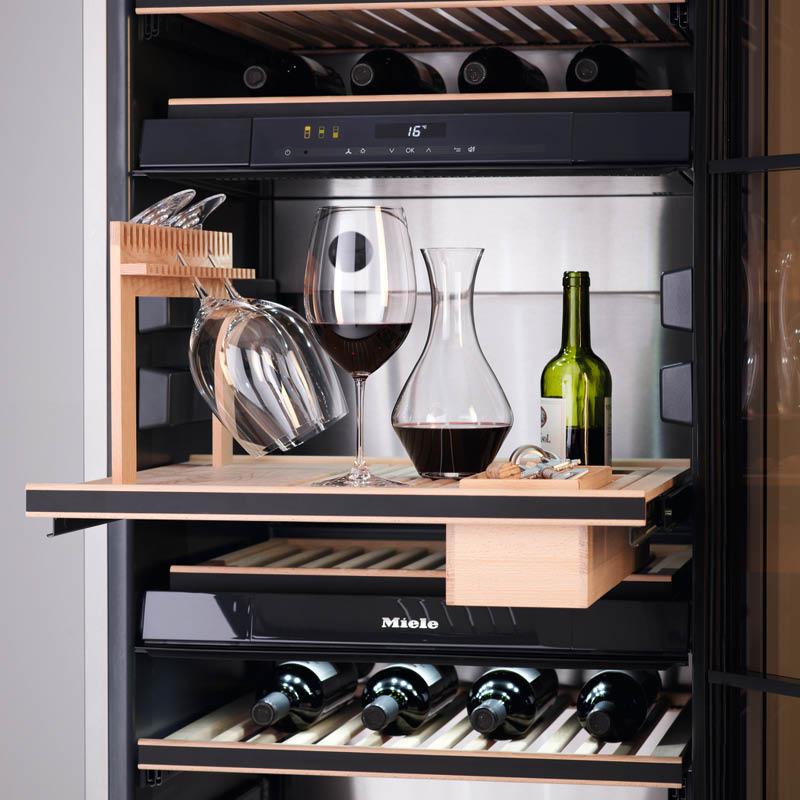Weinkühlschrank von Miele, Blick auf Innenausstattung